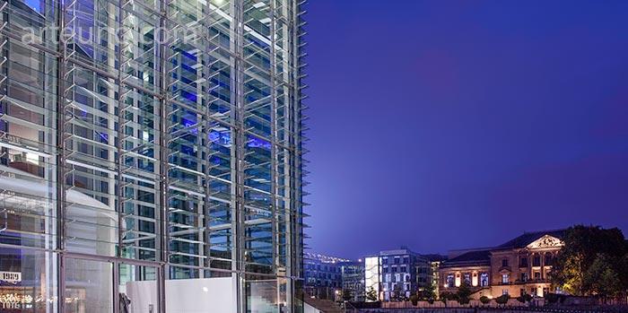 Fotografía de arquitectura durante la hora azul