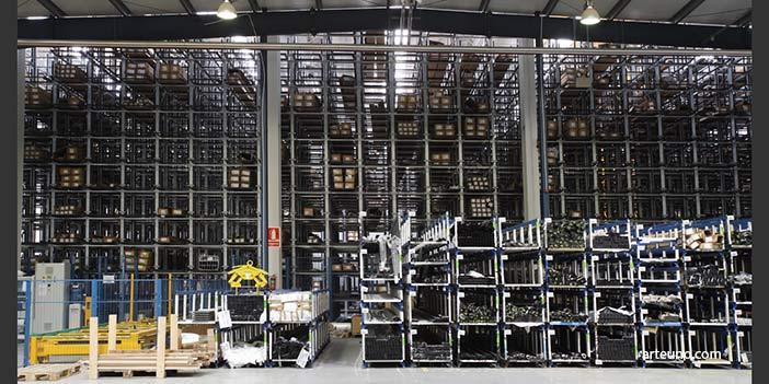 Foto instalacion nave industrial con material para resumen anual de empresa. Fotografos de instalaciones, almacénes, fábricas y naves.