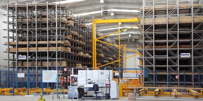 Foto de nave industrial de fotografos industriales de instalaciones, naves, almacenes o fábricas para el archivo de empresa y presentaciones a clientes.